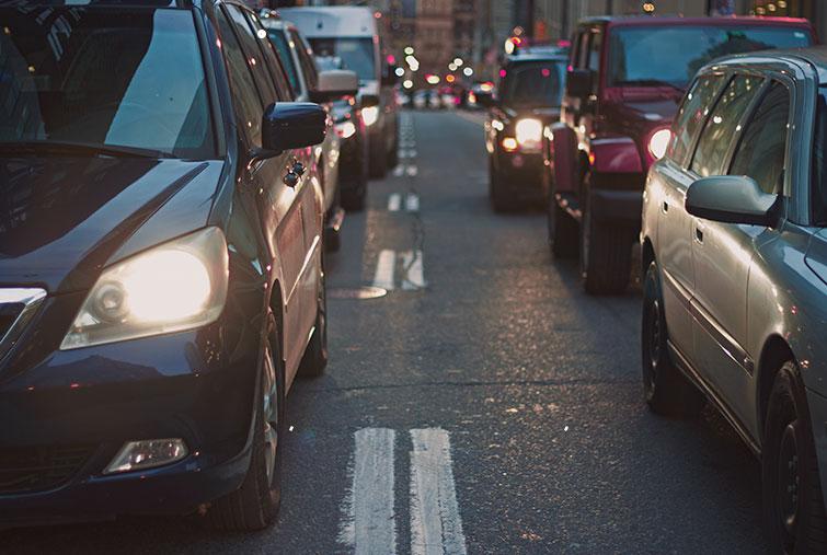 ¿Que sale más económico, alquilar o comprar un coche?